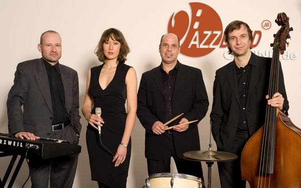 Jazzband Sängerin Drums